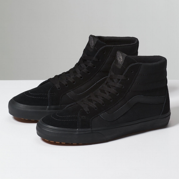 - The Shoes: built upon an ideal of maximised comfort, the Sk8-Hi Reissue UC aims to allow makers to do what they love all day without having to sacrifice their personal style through footwear choices. The reinterpreted classic silhouette comes complete in all-black with a vulcanized lugged outsole for improved grip, Vansguard canvas upper to repel liquid and dirt, and a contoured UltraCush sock liner for maximum comfort throughout the day.