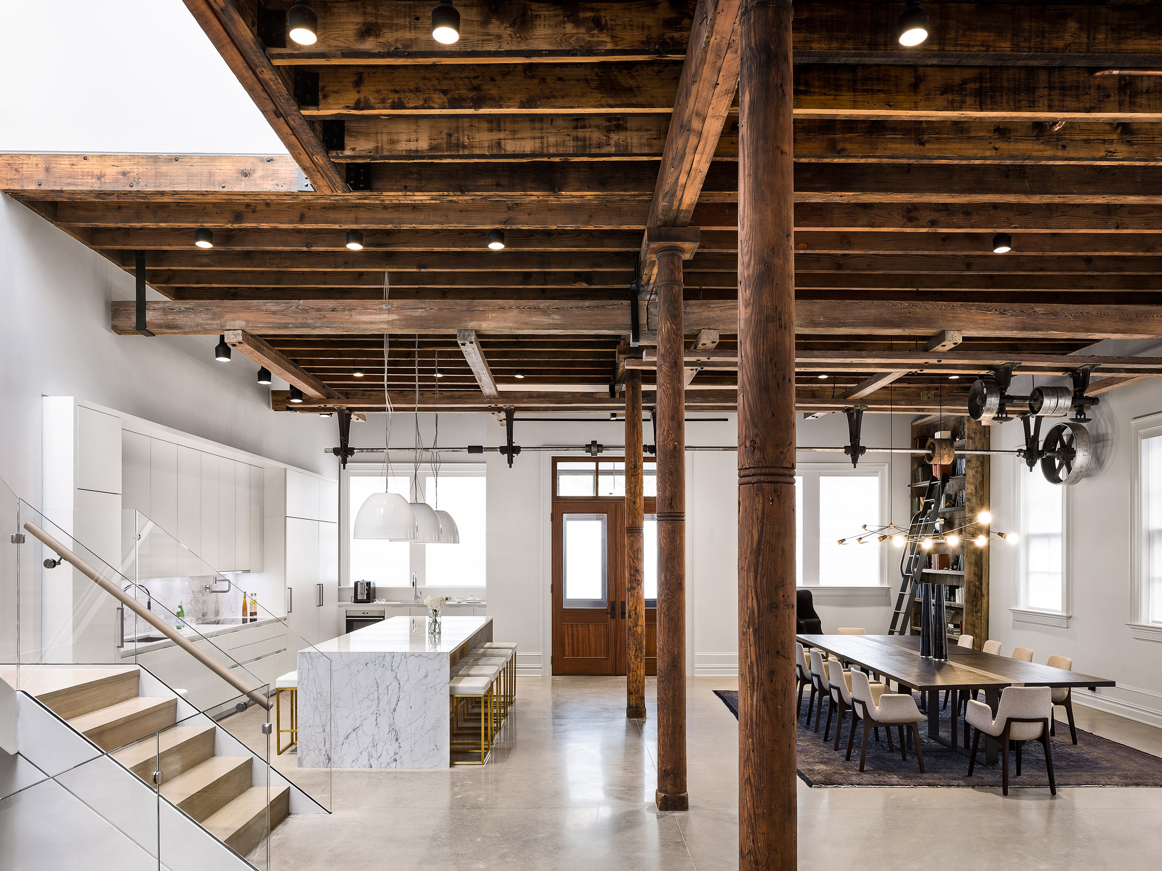 paulus-hook-residence-fogarty-finger-interiors-new-jersey-usa_dezeen_2364_col_2.jpg
