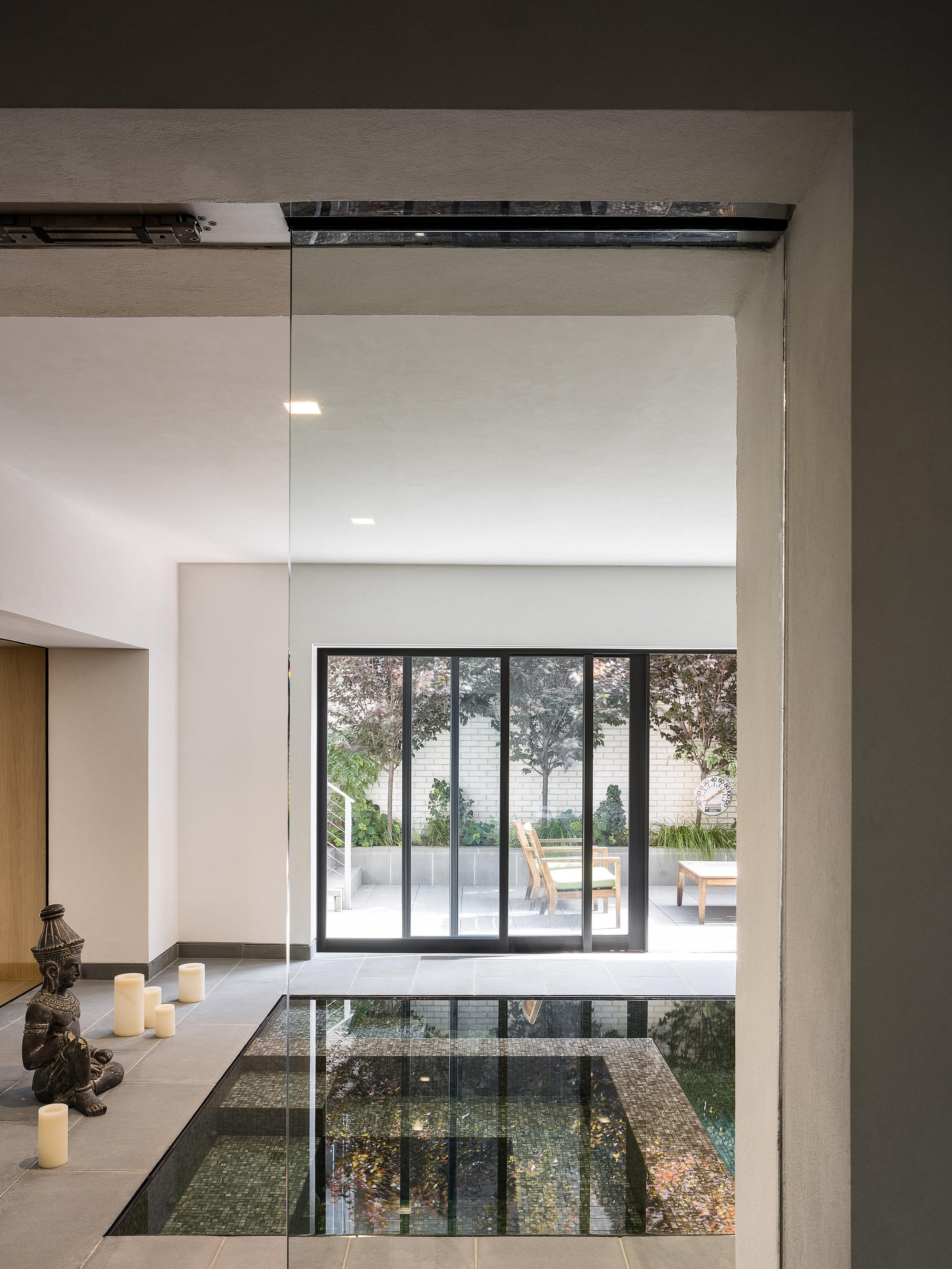 paulus-hook-residence-fogarty-finger-interiors-new-jersey-usa_dezeen_2364_col_12.jpg
