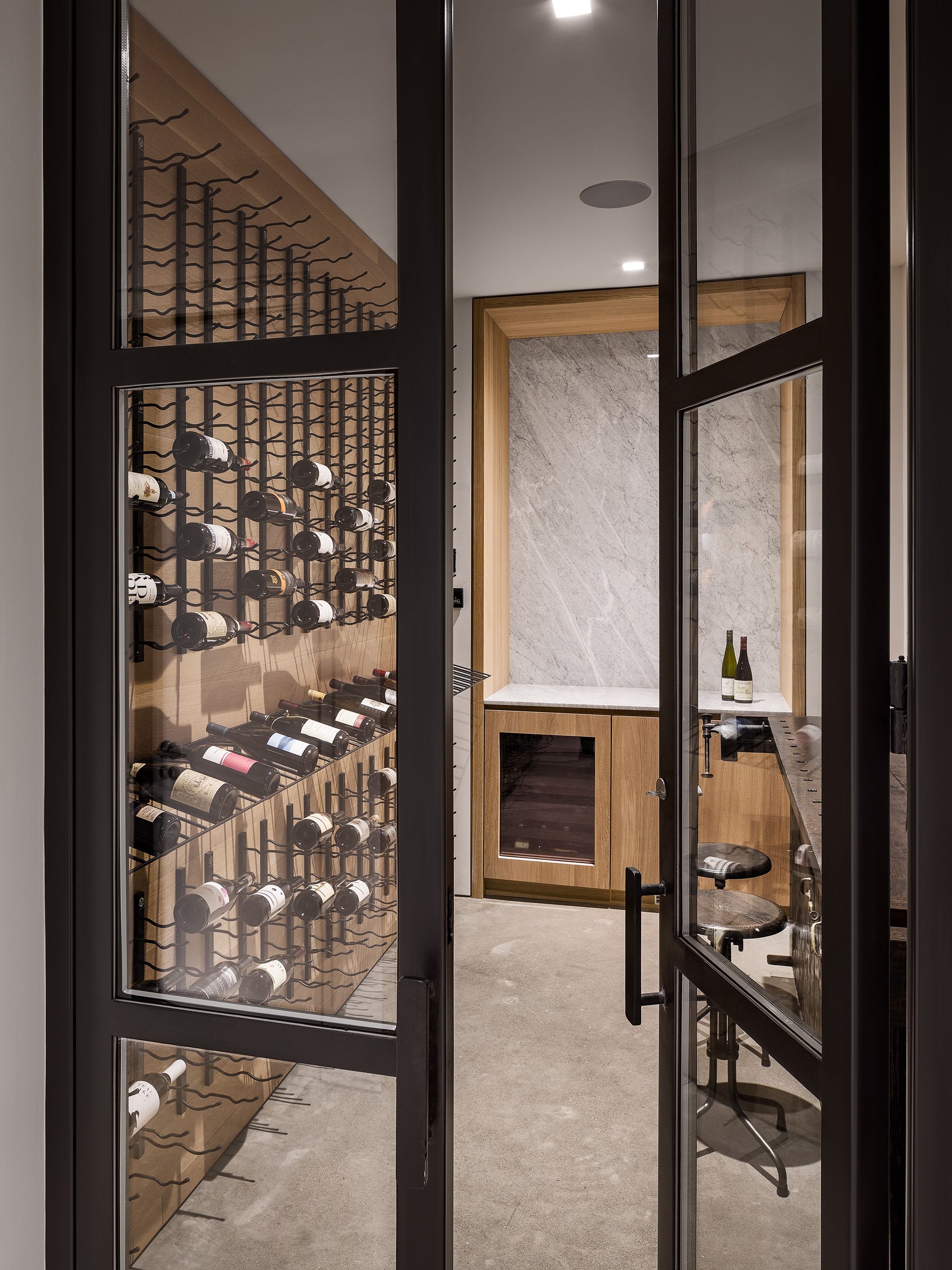paulus-hook-residence-fogarty-finger-interiors-new-jersey-usa_dezeen_2364_col_19.jpg