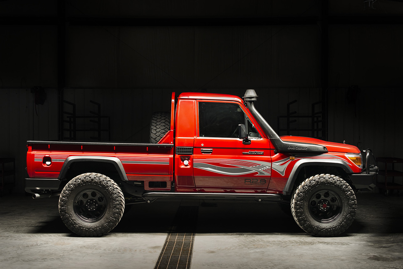 1993-Toyota-Land-Cruiser-FZJ80-By-Proffitts-Ressurection-00.jpg