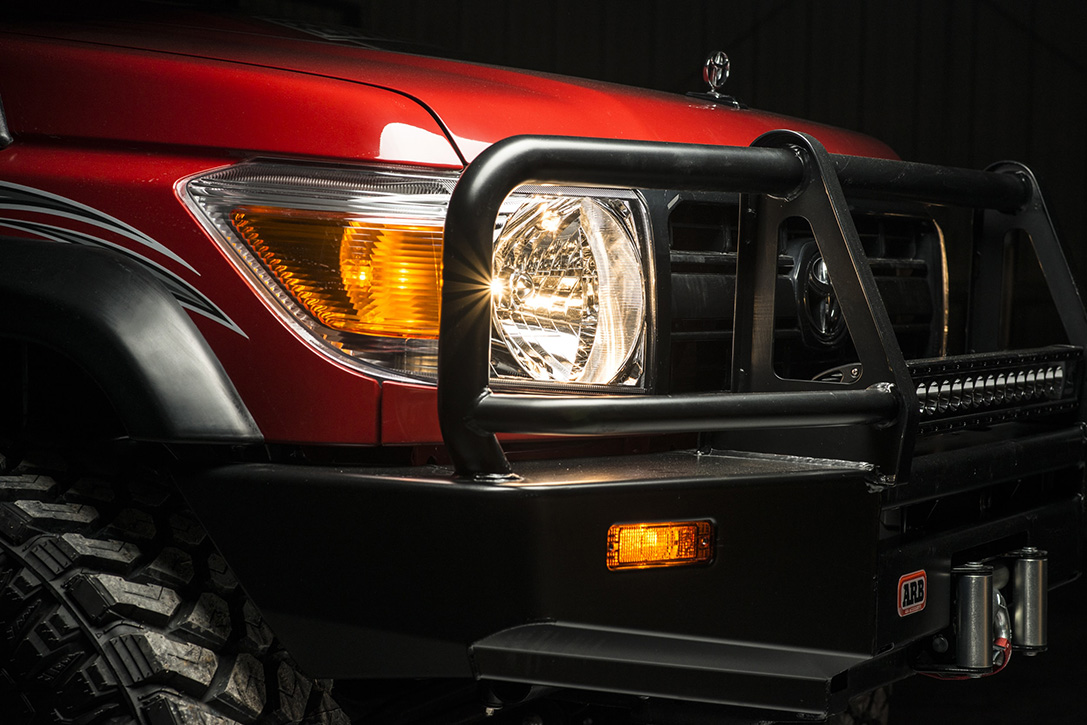 1993-Toyota-Land-Cruiser-FZJ80-By-Proffitts-Ressurection-02.jpg