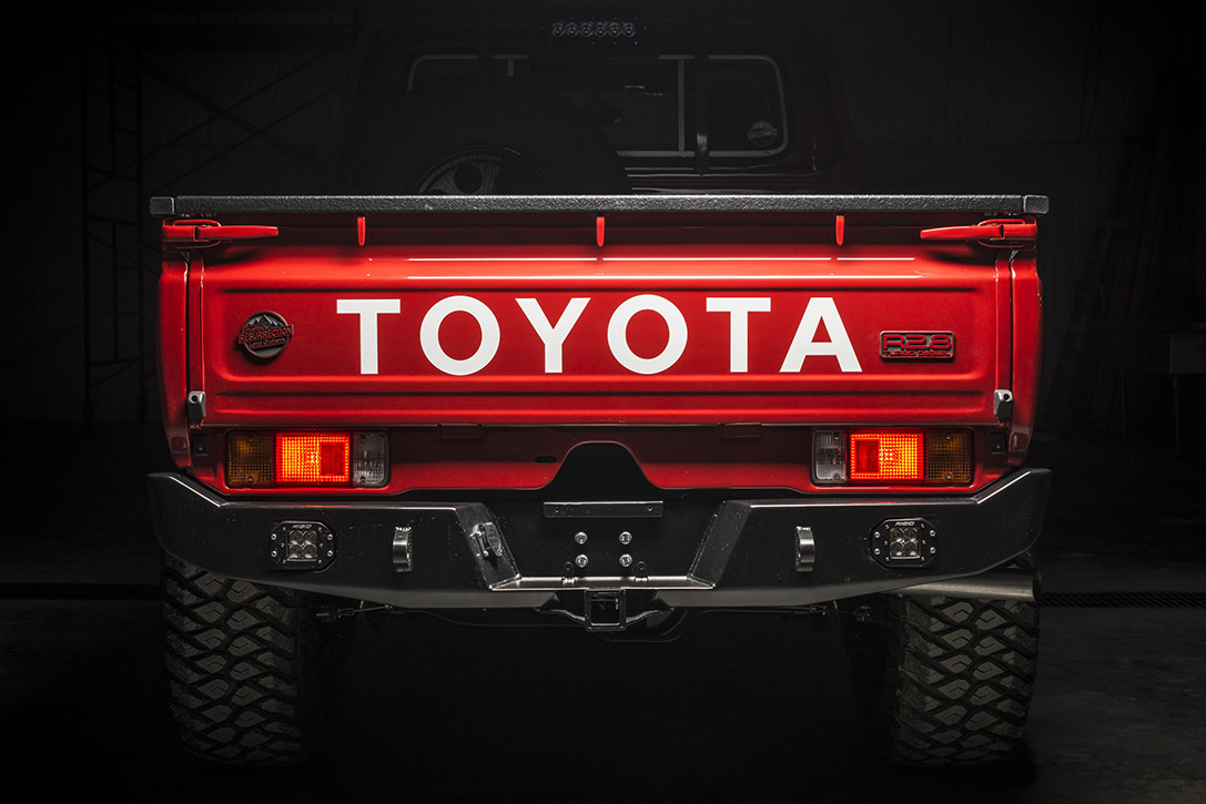 1993-Toyota-Land-Cruiser-FZJ80-By-Proffitts-Ressurection-04.jpg