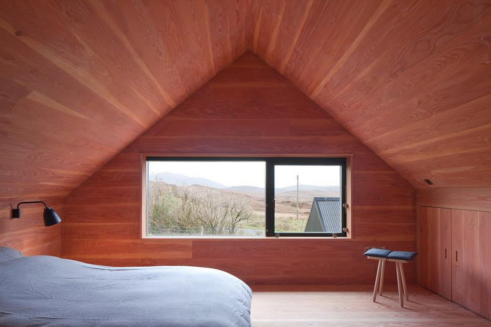black-shed-house-4-thumb-960xauto-96509.jpg