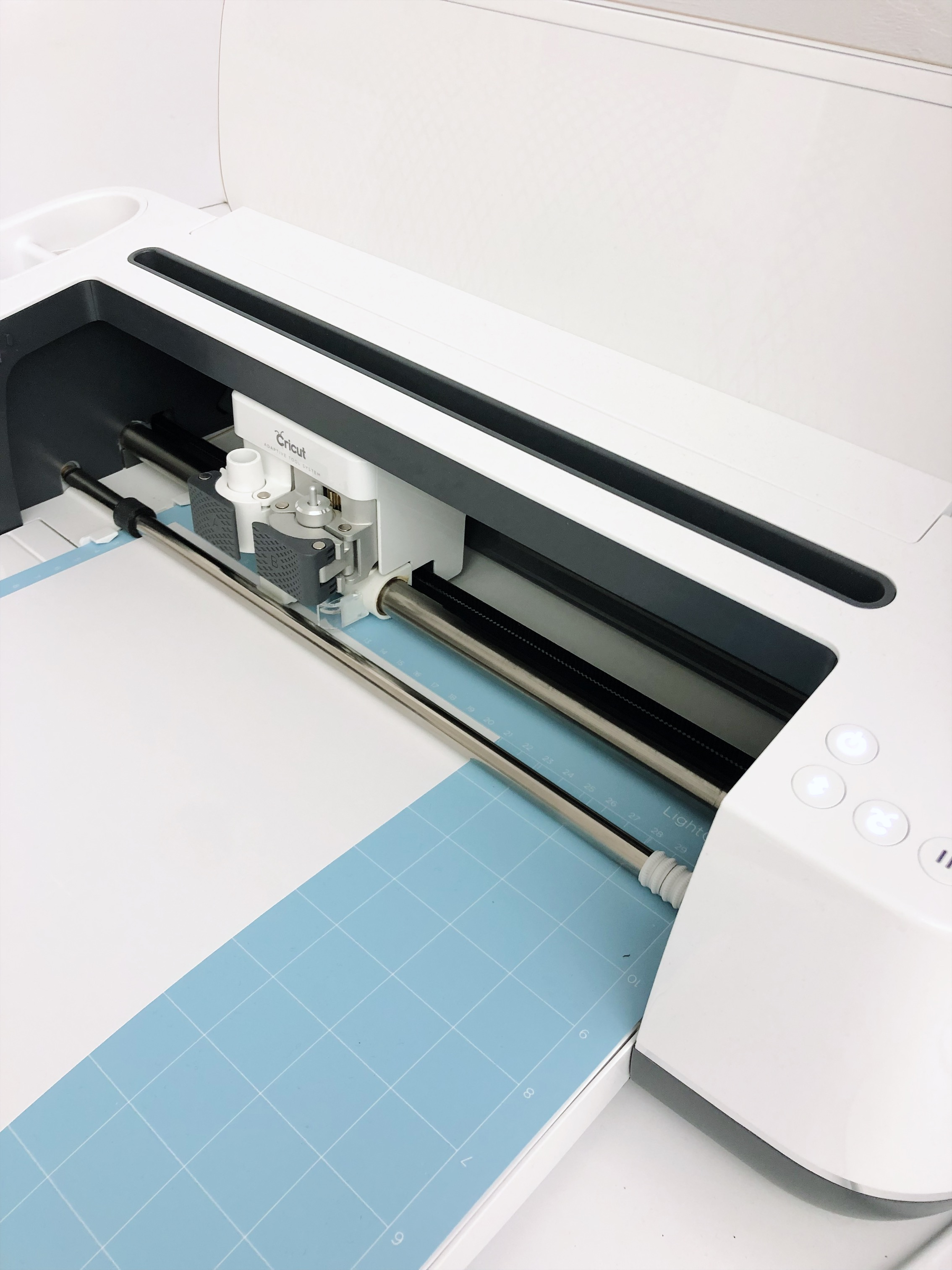 The Cricut Lightgrip mat is blue!
