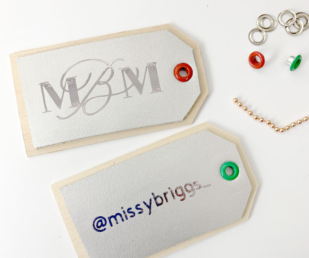 luggage-tag-gifts-personalized-with-cricut-maker-w.jpg