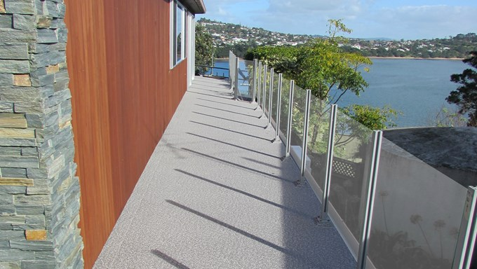 Sand-Pebble-on-Auckland-Homes_SirTrevorHalf_agtmevmb.jpg