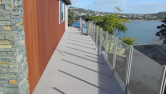 Sand-Pebble-on-Auckland-Homes_SirTrevorHalf_agtmevmb.jpg