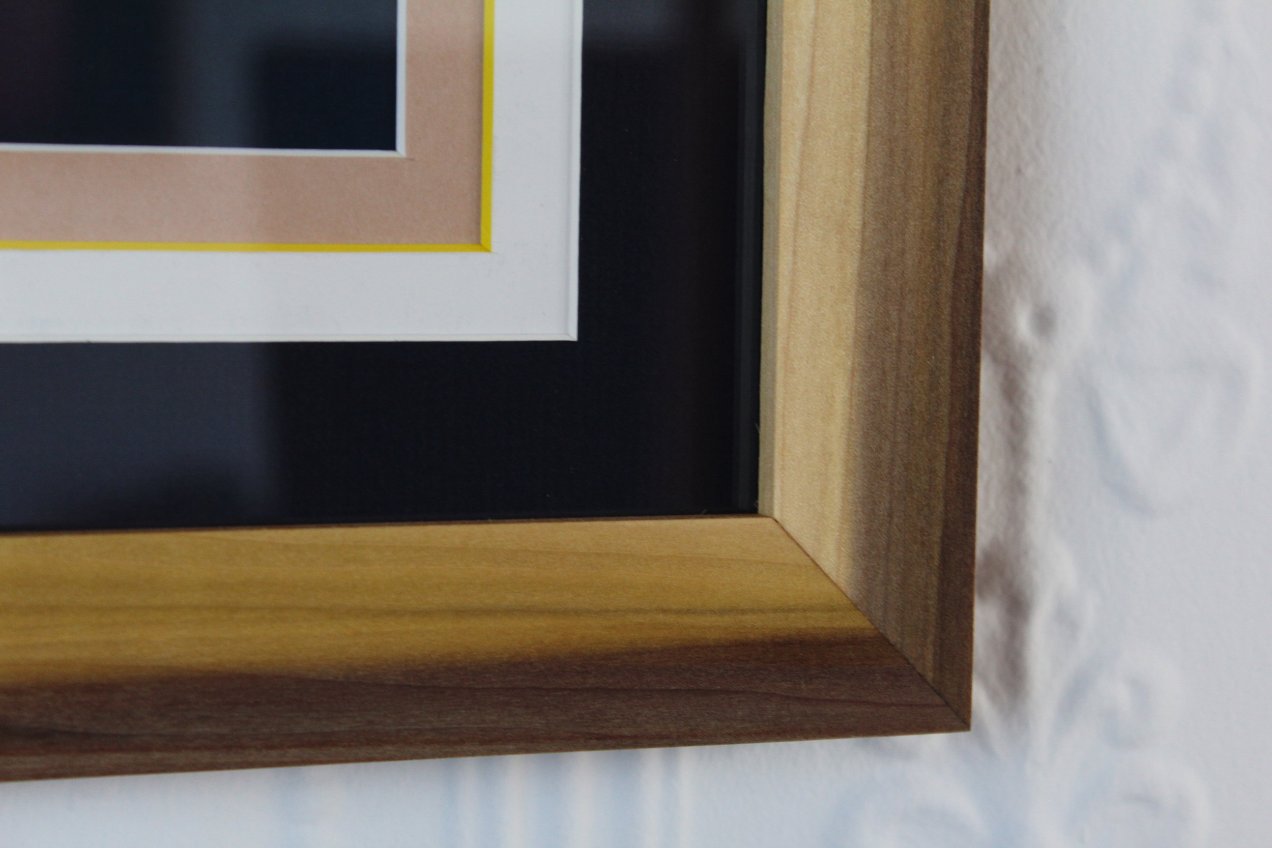 WALNUT FRAME SAP WOOD AND HEART WOOD MEETING  FUNKY MATTE COMBO