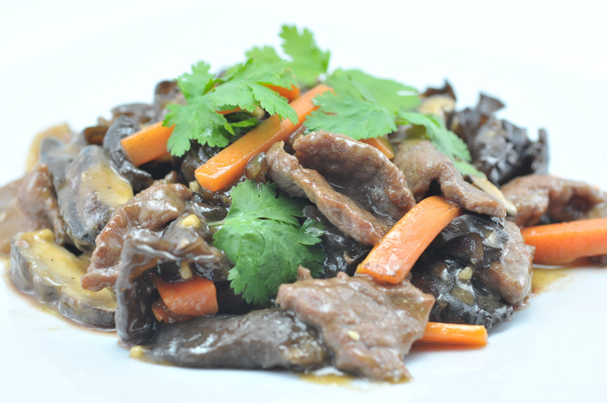 Beef with Chinese Mushroom and Black Fungus