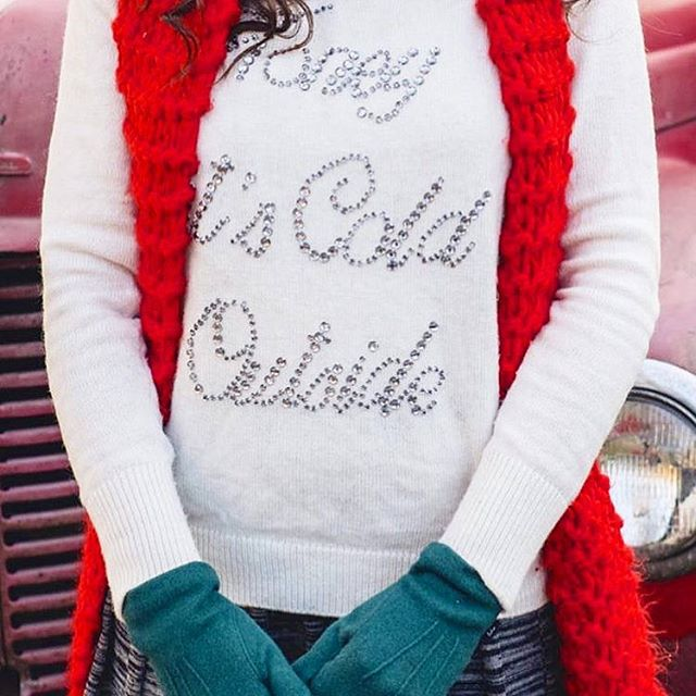 Time to get those warm layers and accessories back out, Chicago!  #windycity #winter #nwsdoula