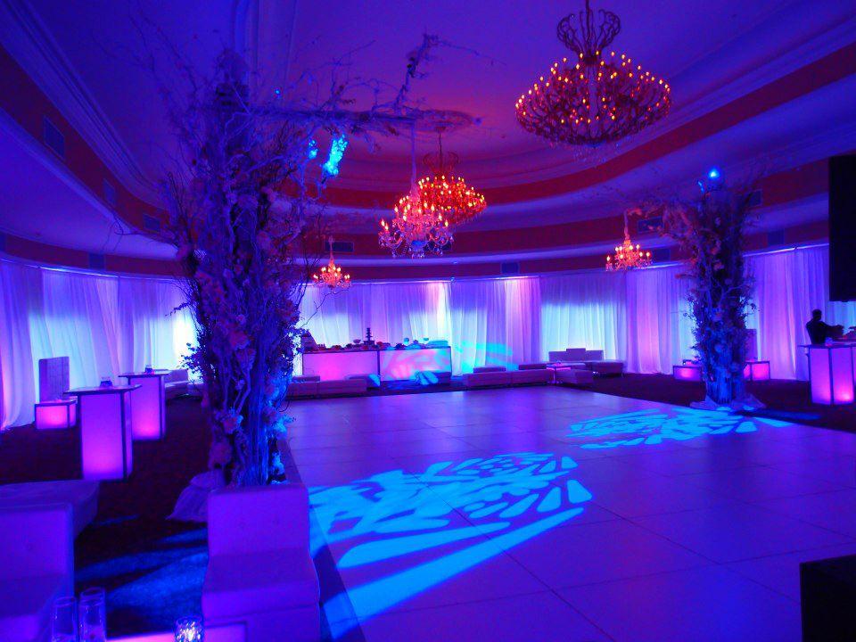 event-decor-812405390_n[1].jpg
