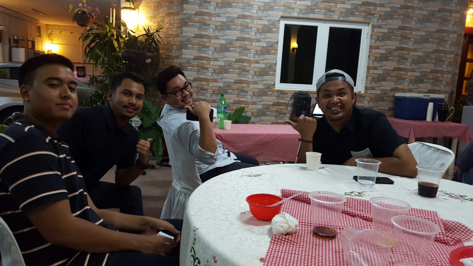 """From L-R: Zed Peace, Apai, Kro and Khaos. During the little """"listening party"""". There were more people around :P"""