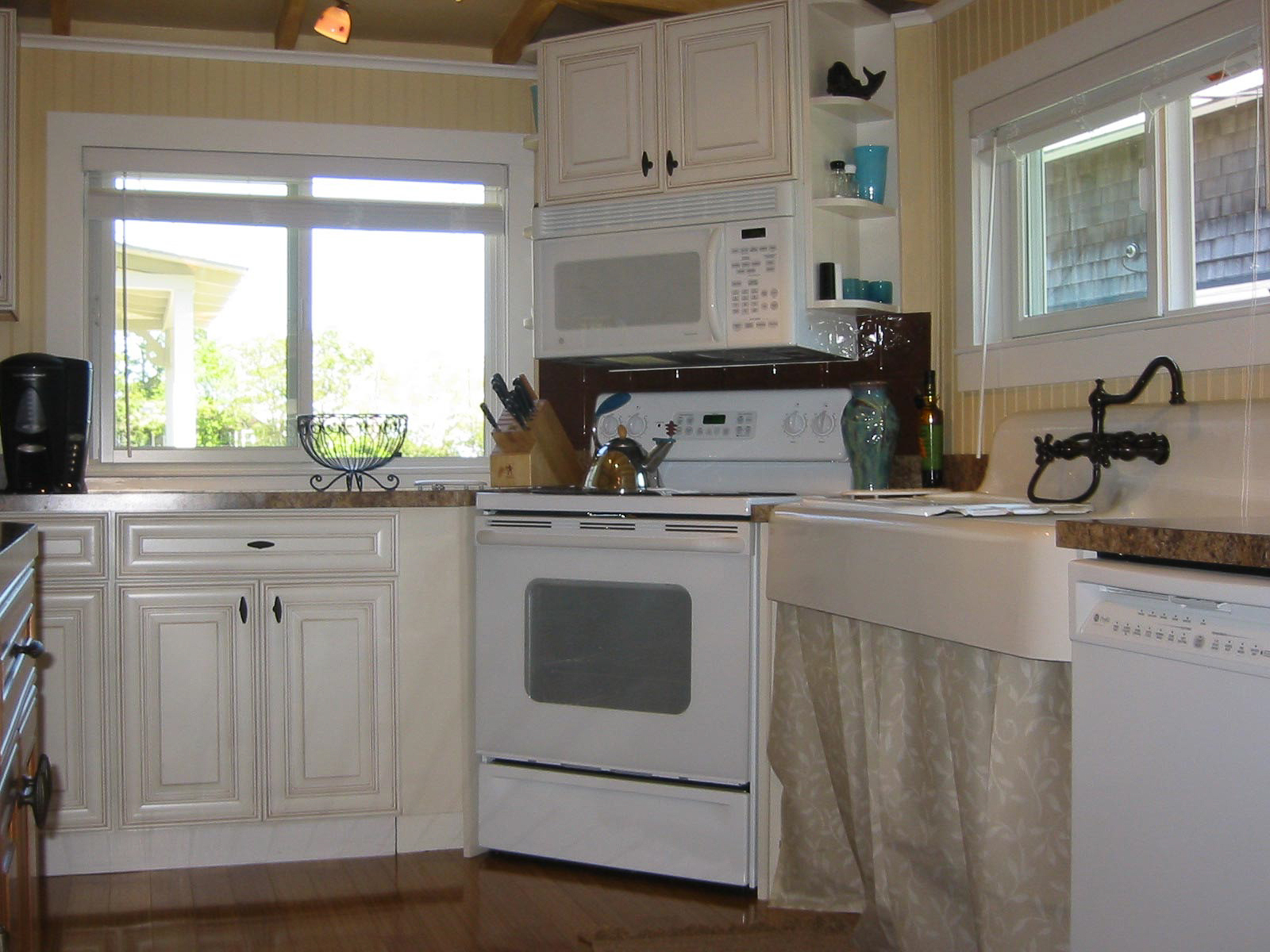 kitchen_with_sink-3.jpg