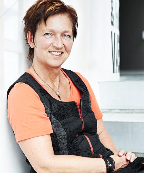 RECEPTIONIST marianne@nmic.dk / +45 6614 1480   Mød mig i receptionen