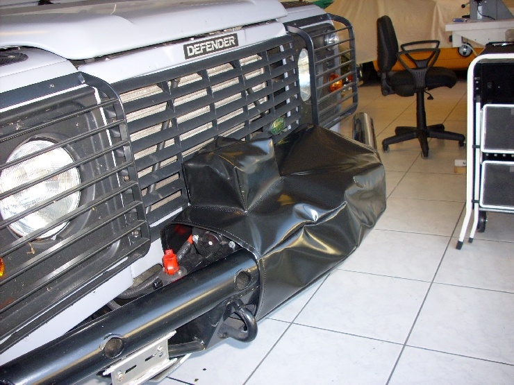 2012-04 Land Rover Plane 003.jpg
