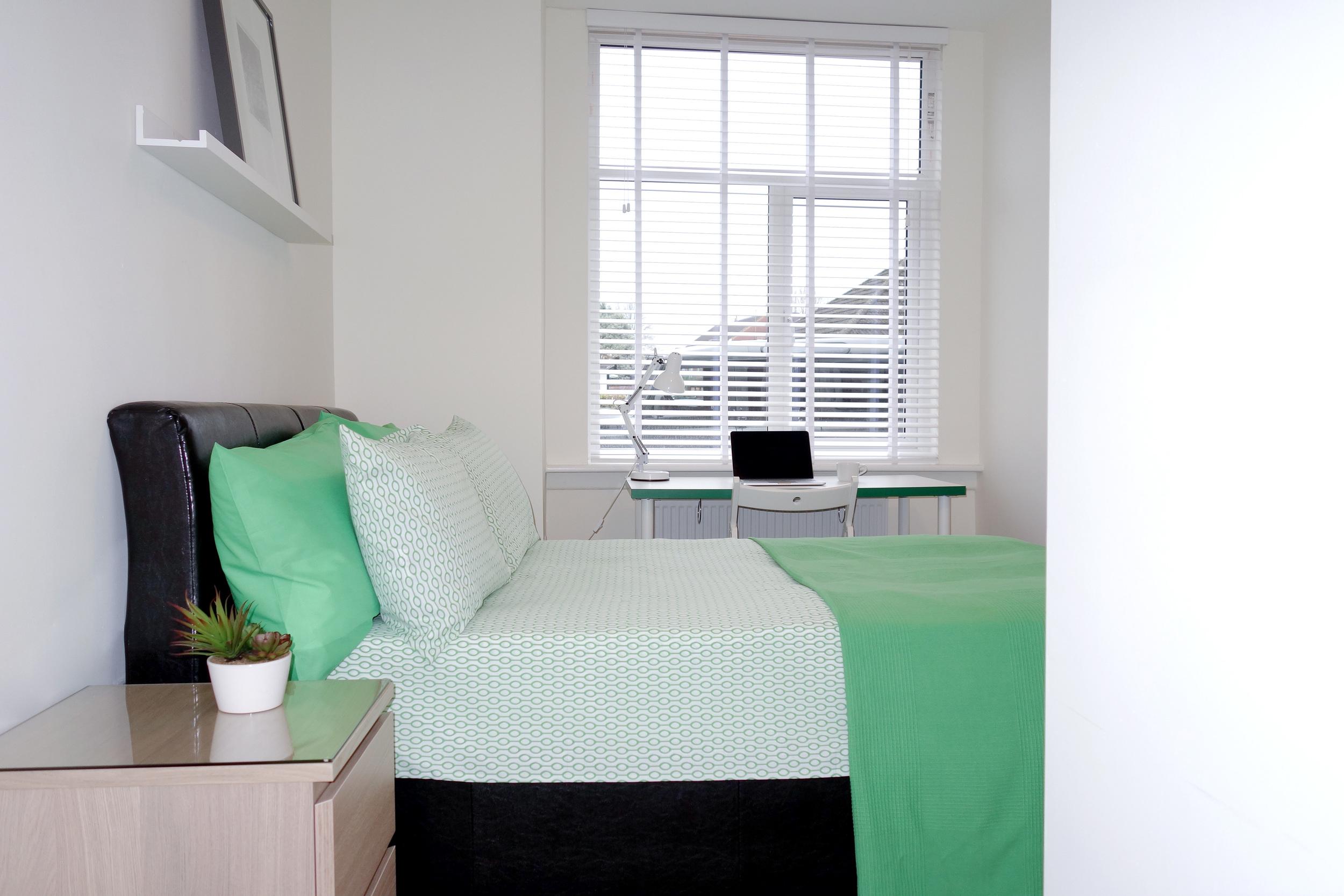 H2 Bright Room.jpg
