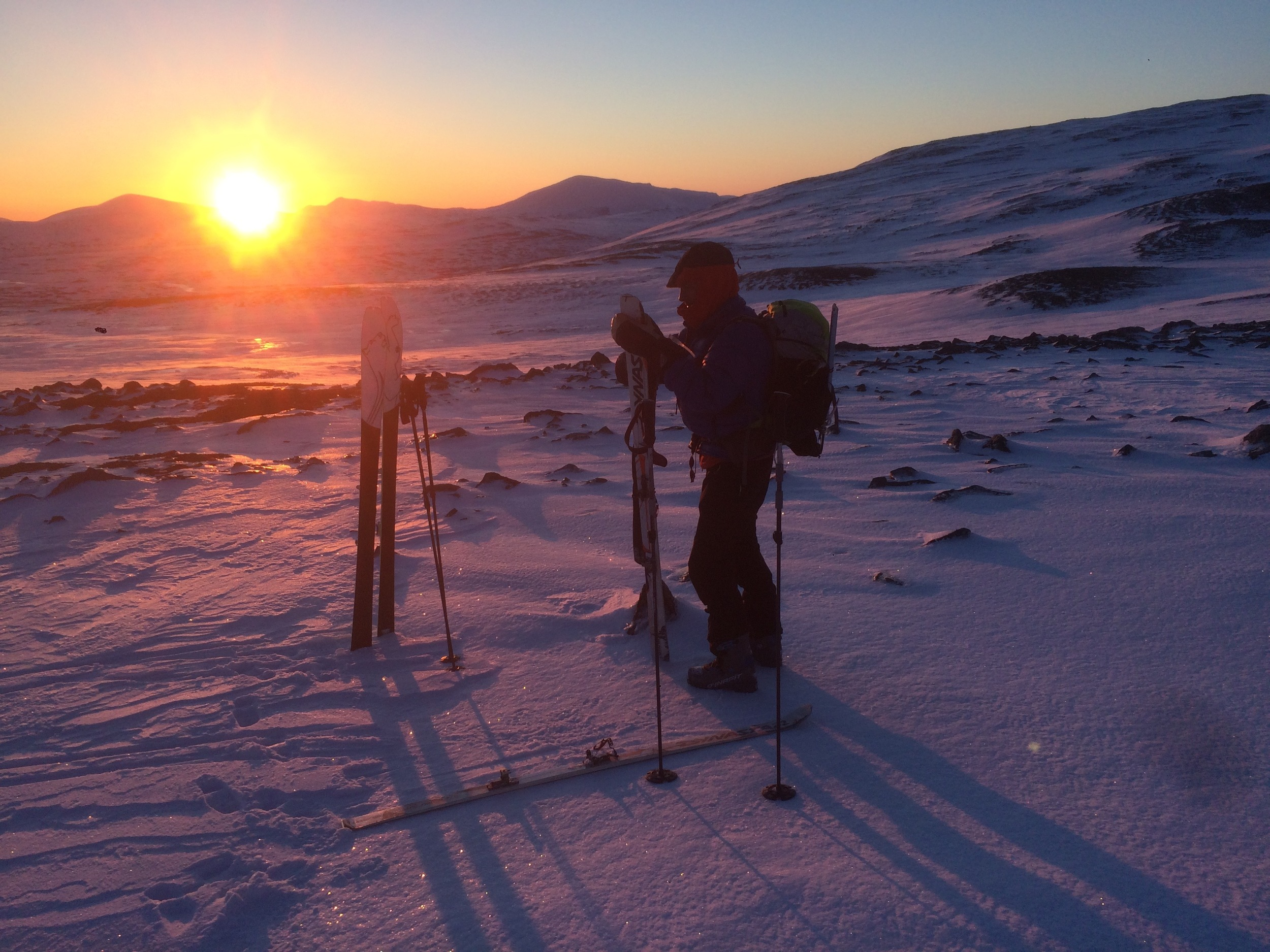 Soluppgång vid foten till Sydskalstöten.