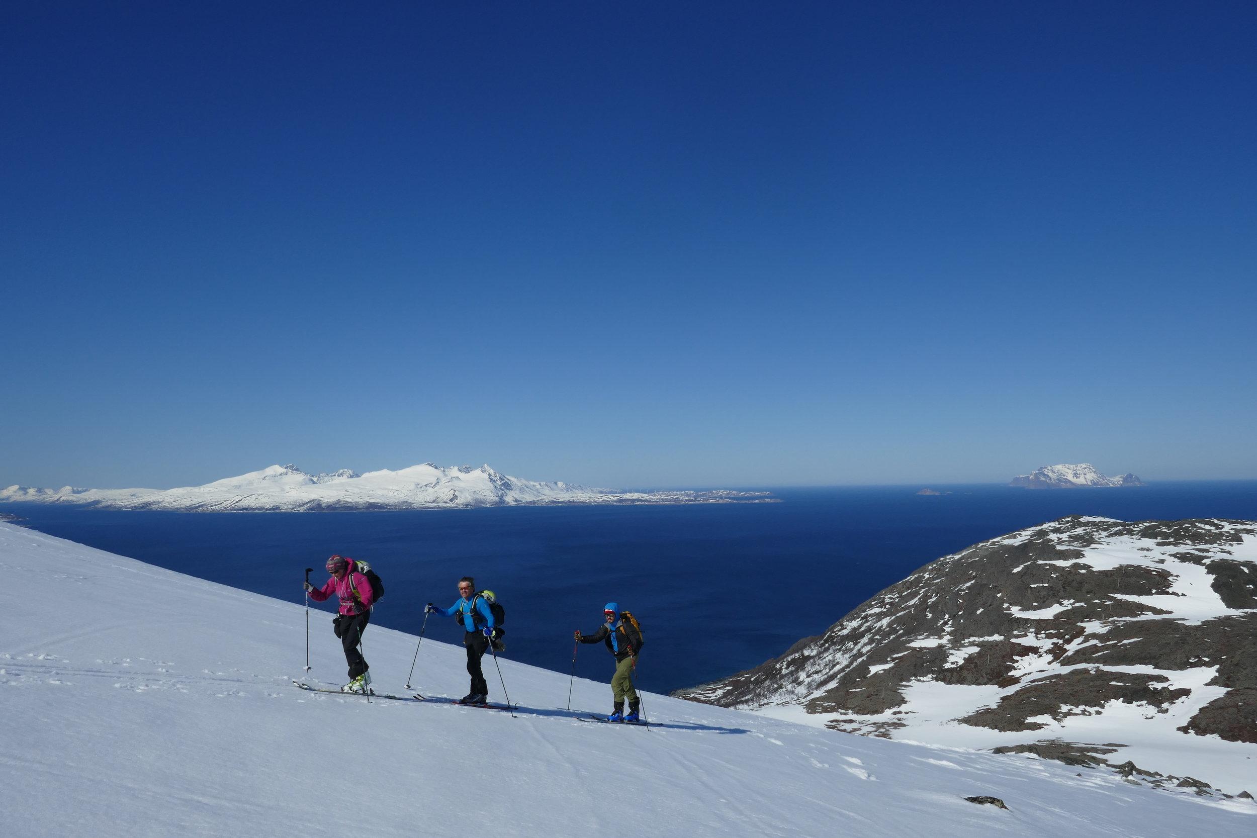 På väg upp på Russelvsfjellet