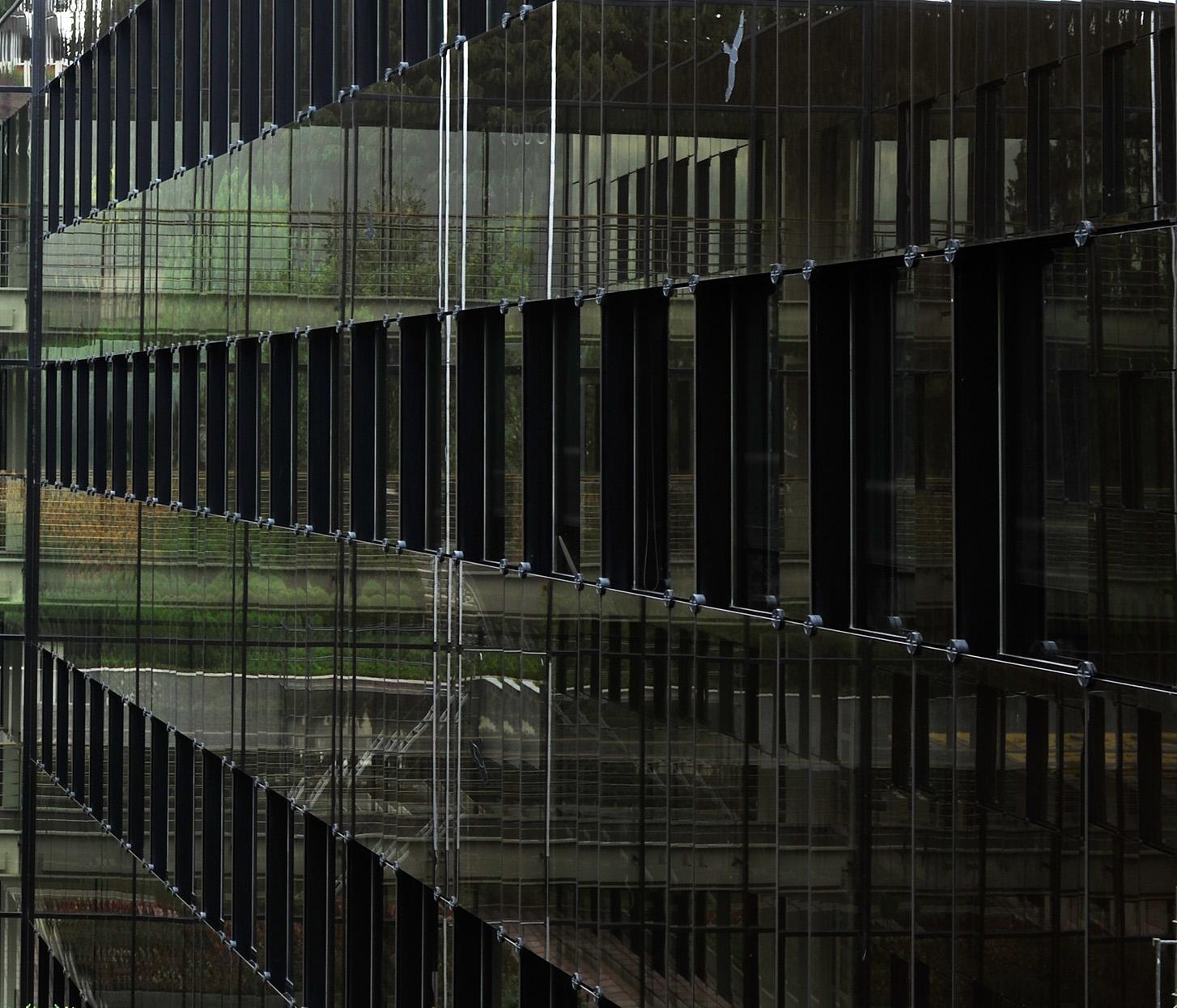 Jeanne Martel_architecture_glass02.jpg