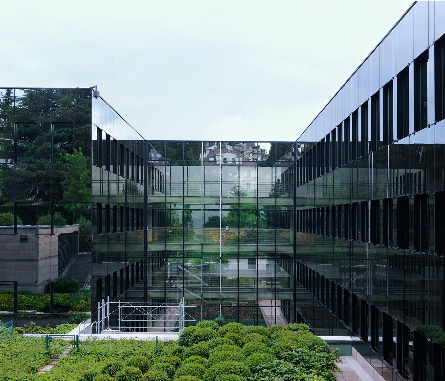 Jeanne Martel_architecture_glass01.jpg
