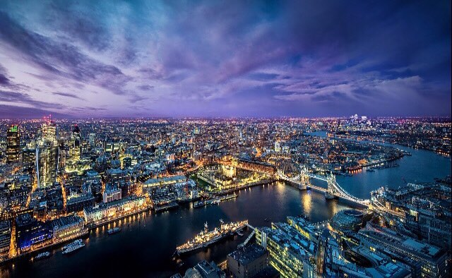 Vista noturna do Shangri La at the Shard, London