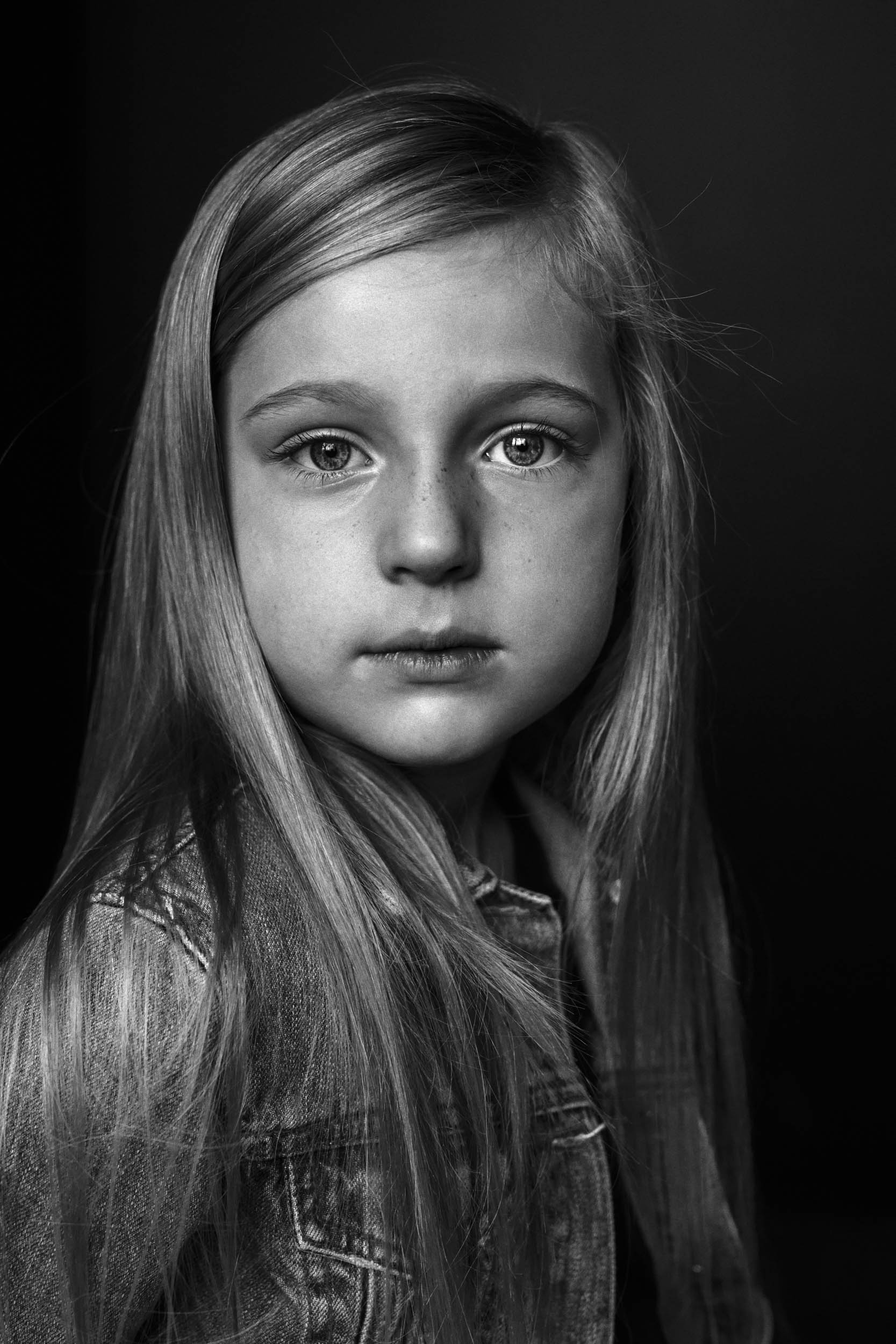 Black and White photo of Harper taken by Nick Walters at Lumi Studio1.jpg