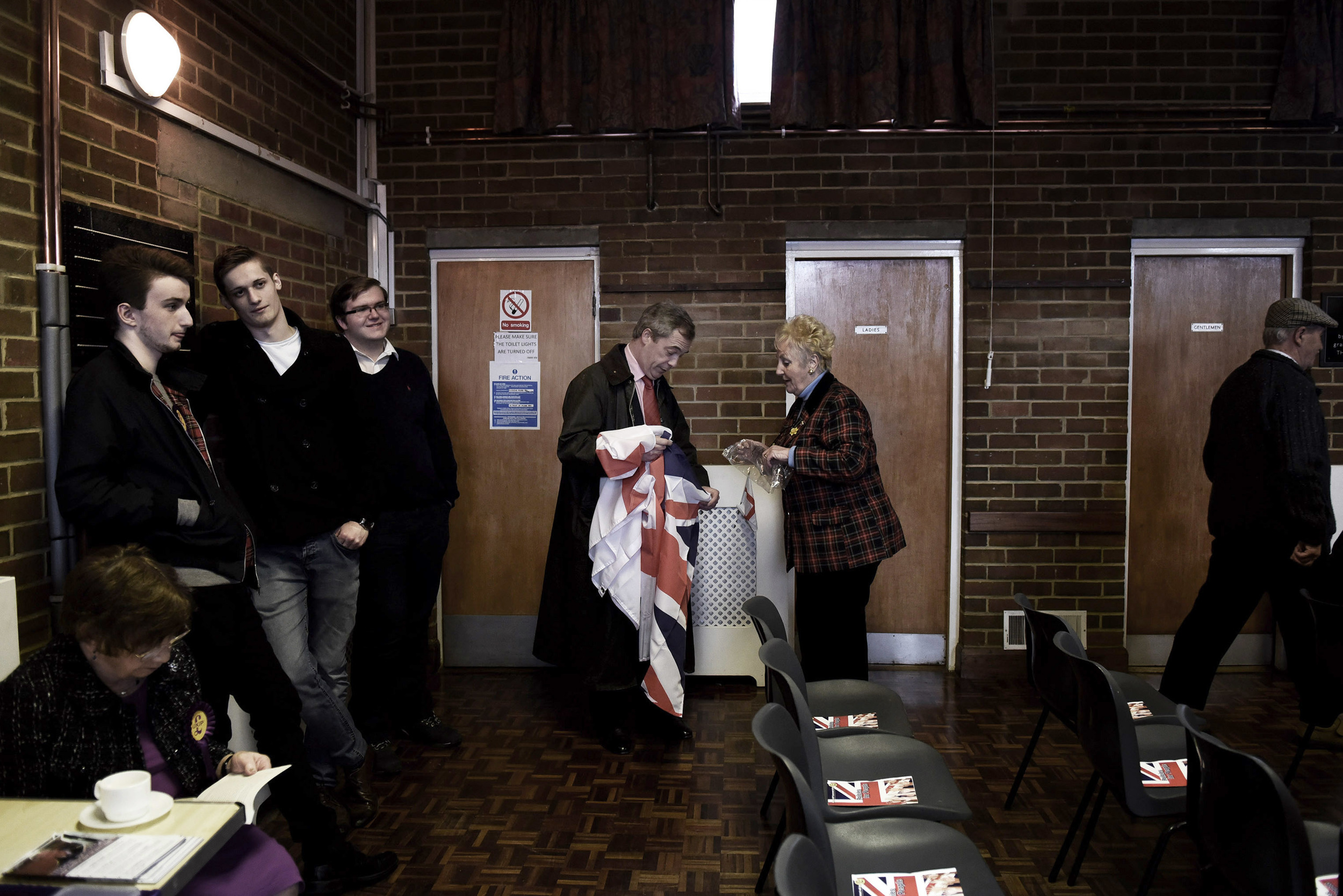 Unravelling flags with Beryl, Cliffsend Village Hall, March 31st 2015