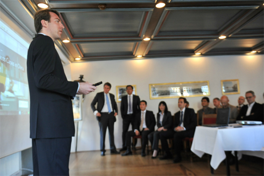 Eric Schuh,  Head Casualty Centre, MD at SwissRe  during a SCFO networking event. Credits: www.scfo.ch