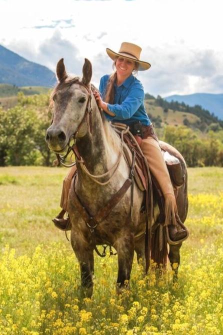 Sabrina Bradford, Range Rider