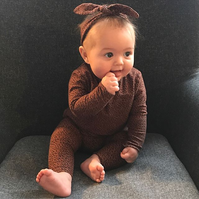 Happy 6 month birthday to my wonderful little girl ❤️ Thank you for the best months of my life! I can't believe how much shes changed (from the teeny 6 pounder she started out life as - swipe left) or how much I've learned in these past six months. No amount of childcare experience, uni degrees, books read or hours on Google could have prepared me for this! Here's to you, Isla Clarke, the light of my life! 💛 #mum #baby #babygirl #birthday #happiness #gratitude