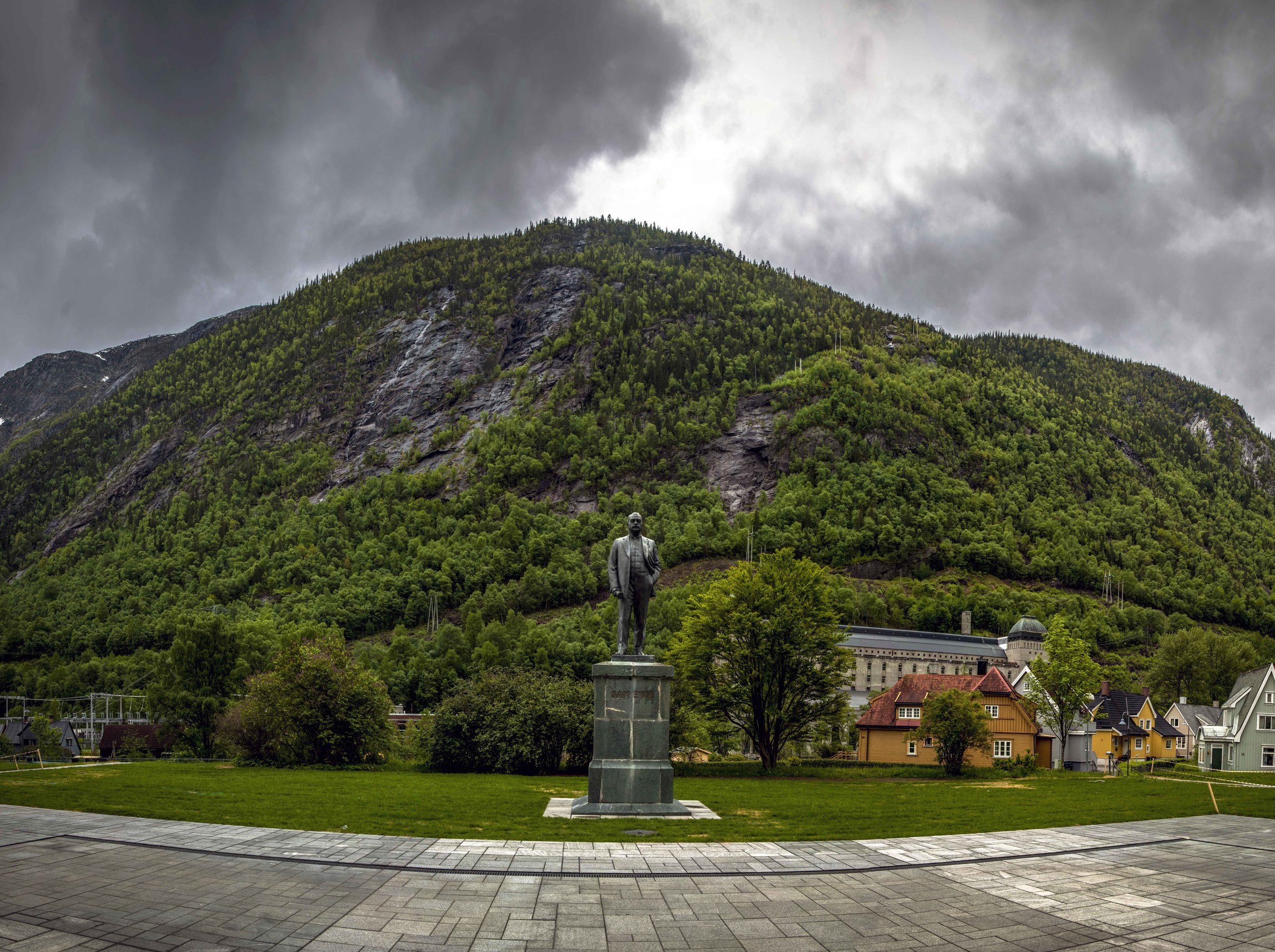Sam Eyde, founder of Norsk Hydro in the Rjukan town square