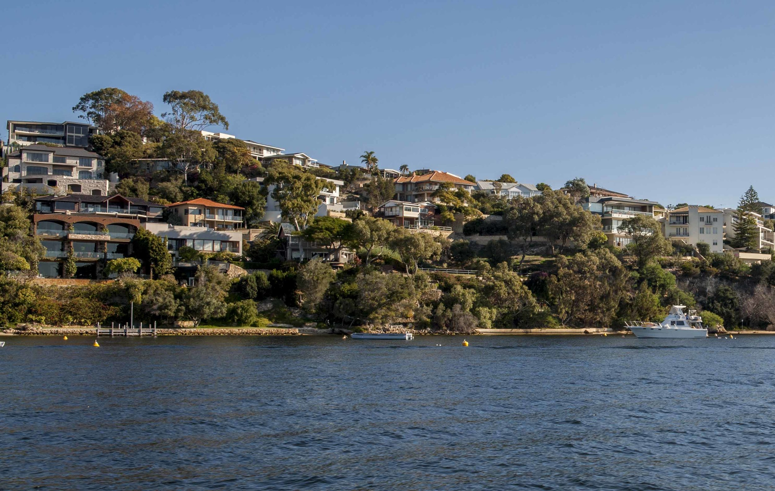 Posh houses on the Swan River