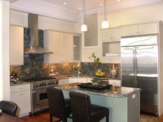 501 pine kitchen.jpg