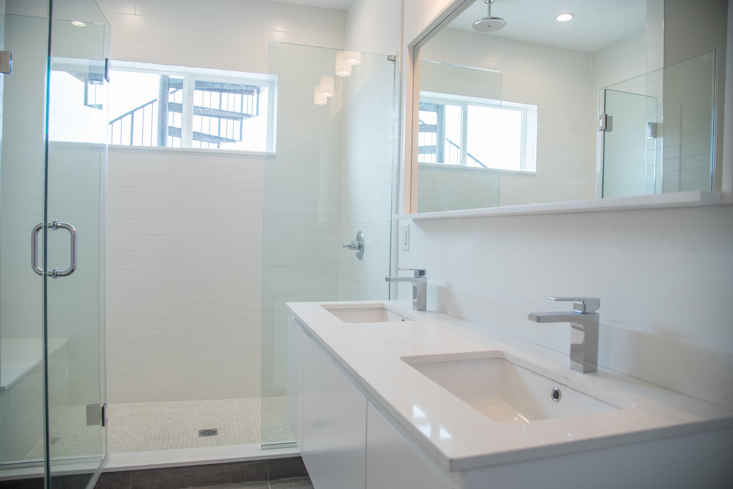 2210 Fletcher- Bathroom.jpg