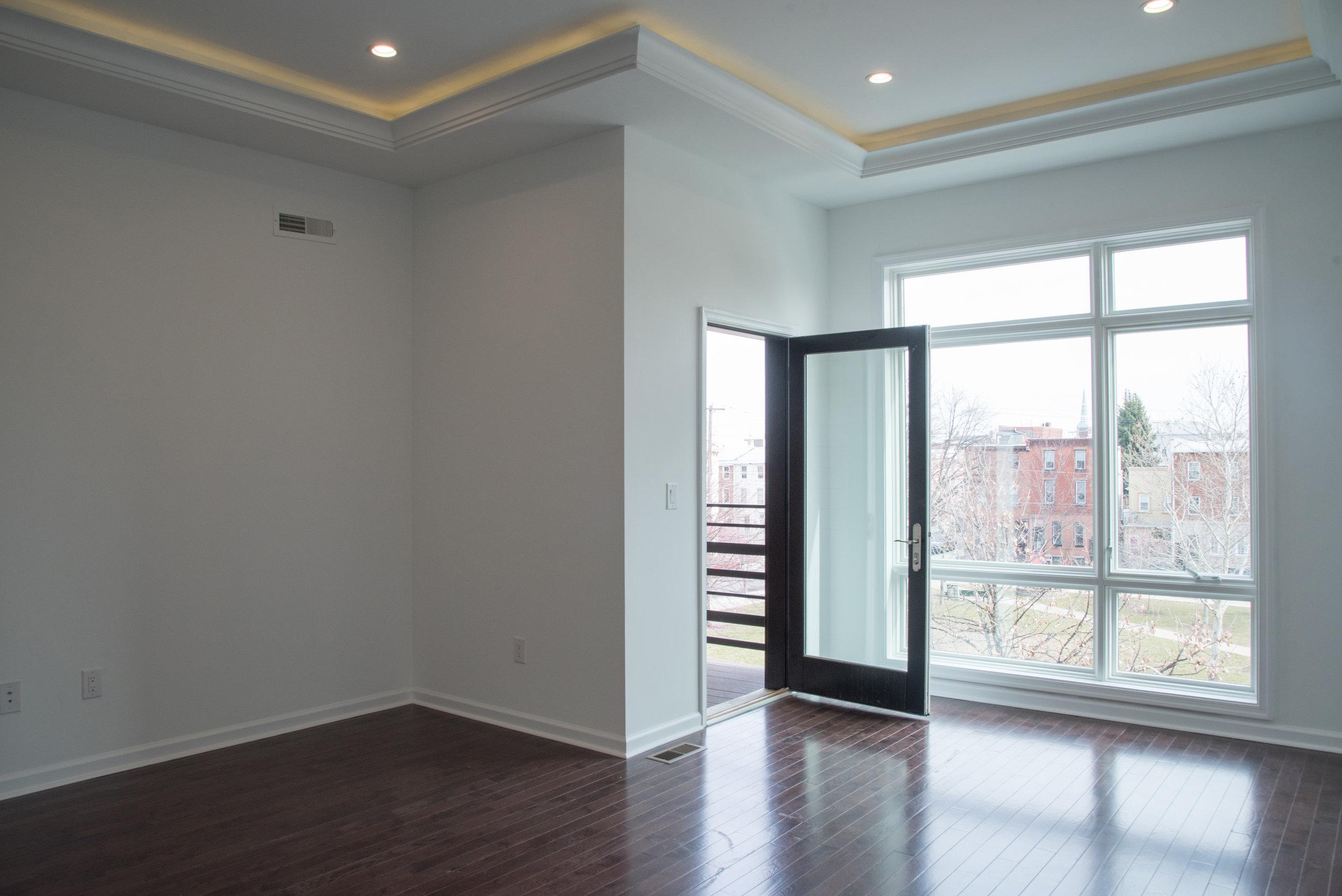 2210 Fletcher-Livingroom.jpg