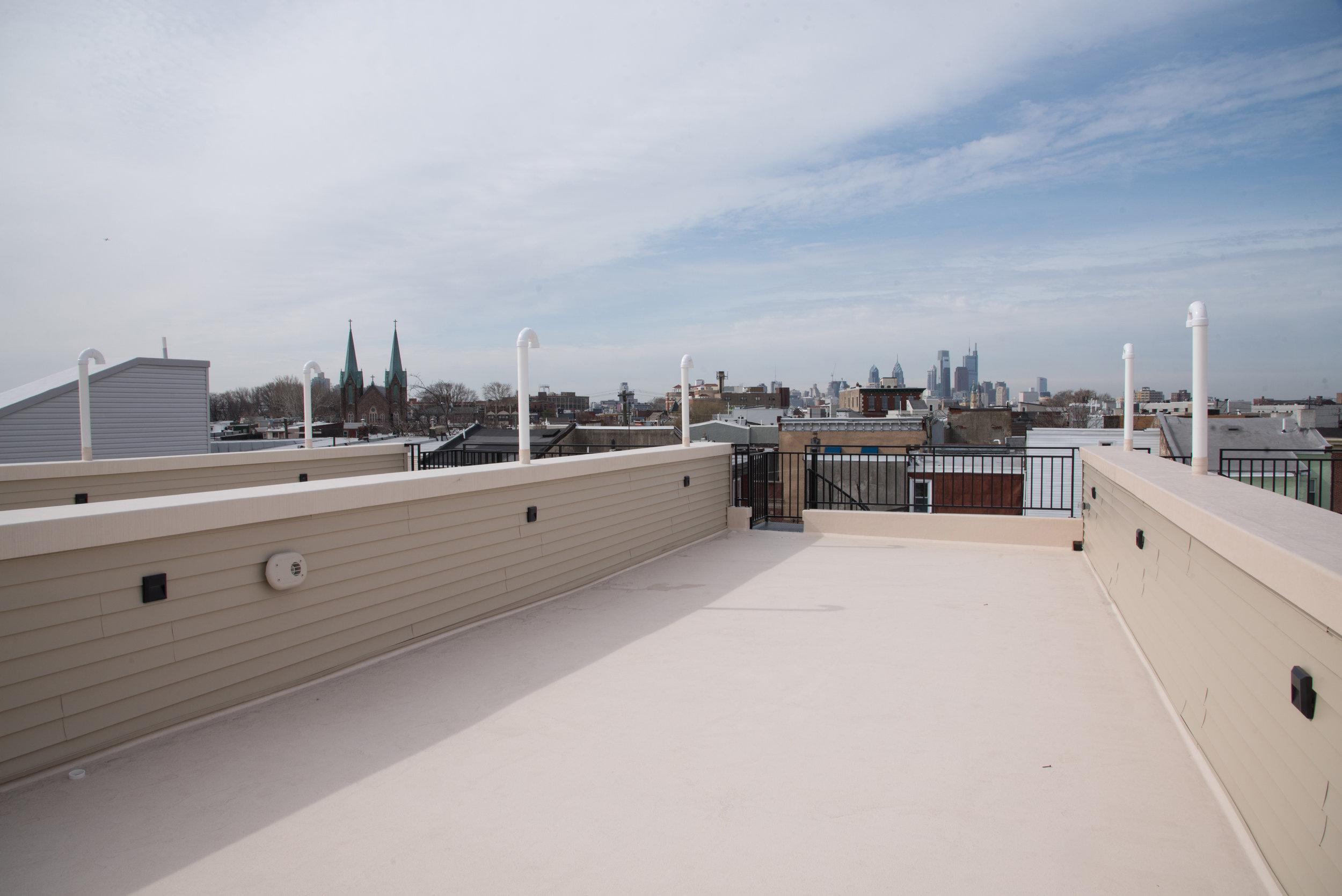 2210 Fletcher-Rooftop.jpg