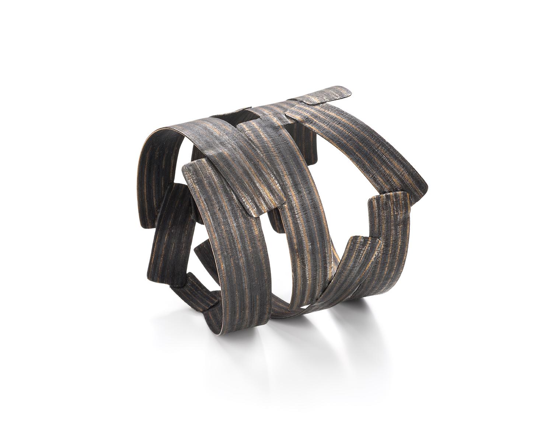 "Francesca Urciuoli, ""Recycled"", bracelet   Silver, red brass, copper, photo: Federico Cavicchioli"
