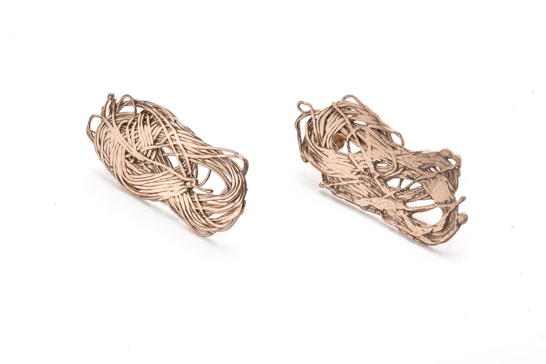 "Francesca Urciuoli, ""Knotting 04"", earrings   Rose gold plated silver, photo: Federico Cavicchioli"