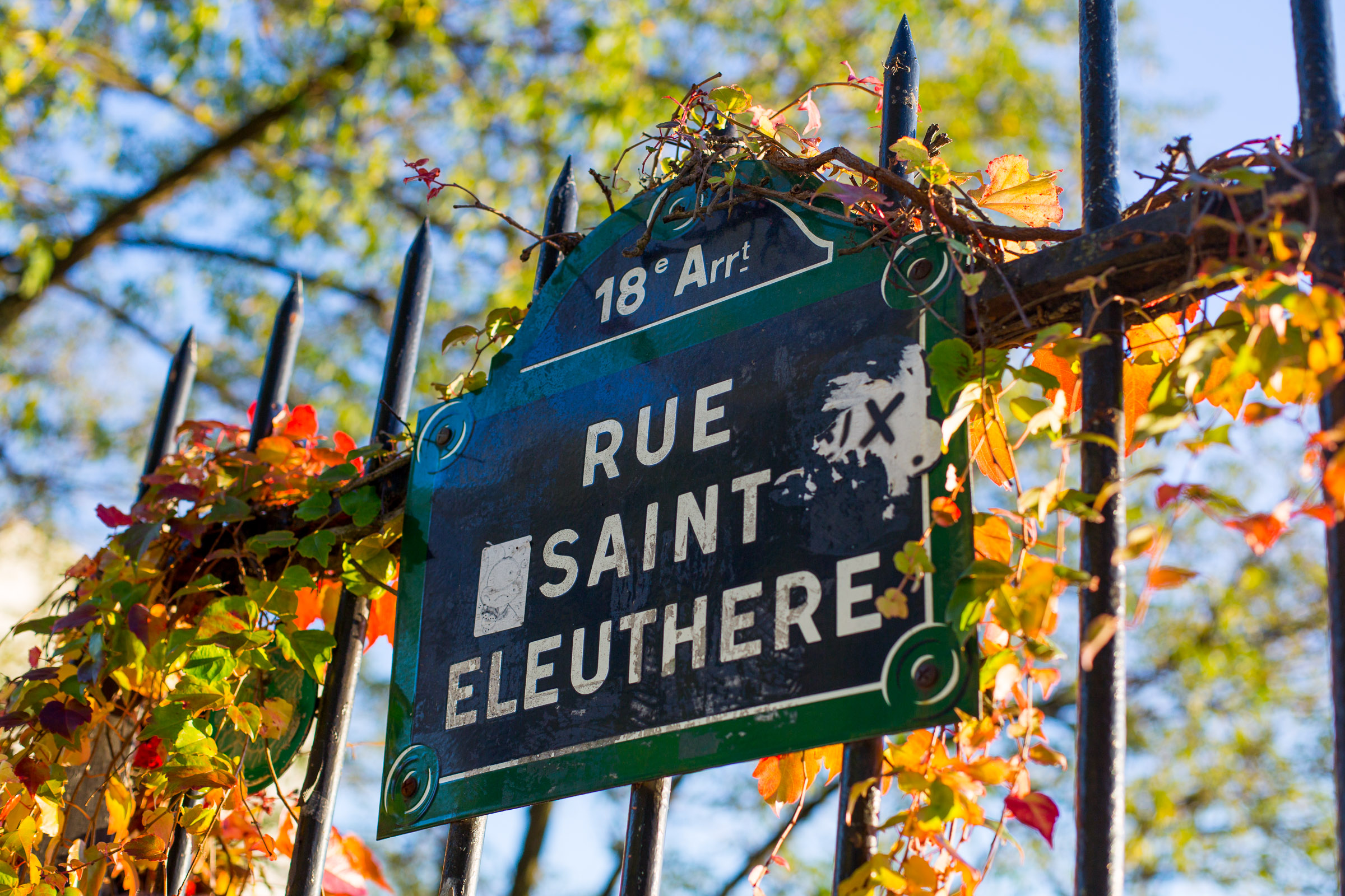 SNAPSHOTS OF MONTMARTRE - 7 NOV