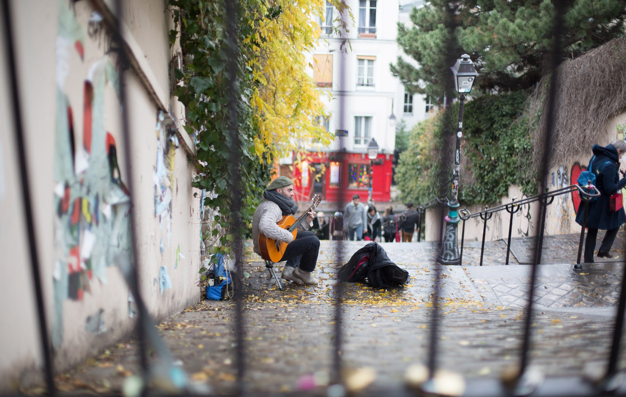 SNAPSHOTS OF MONTMARTRE - 22 DEC
