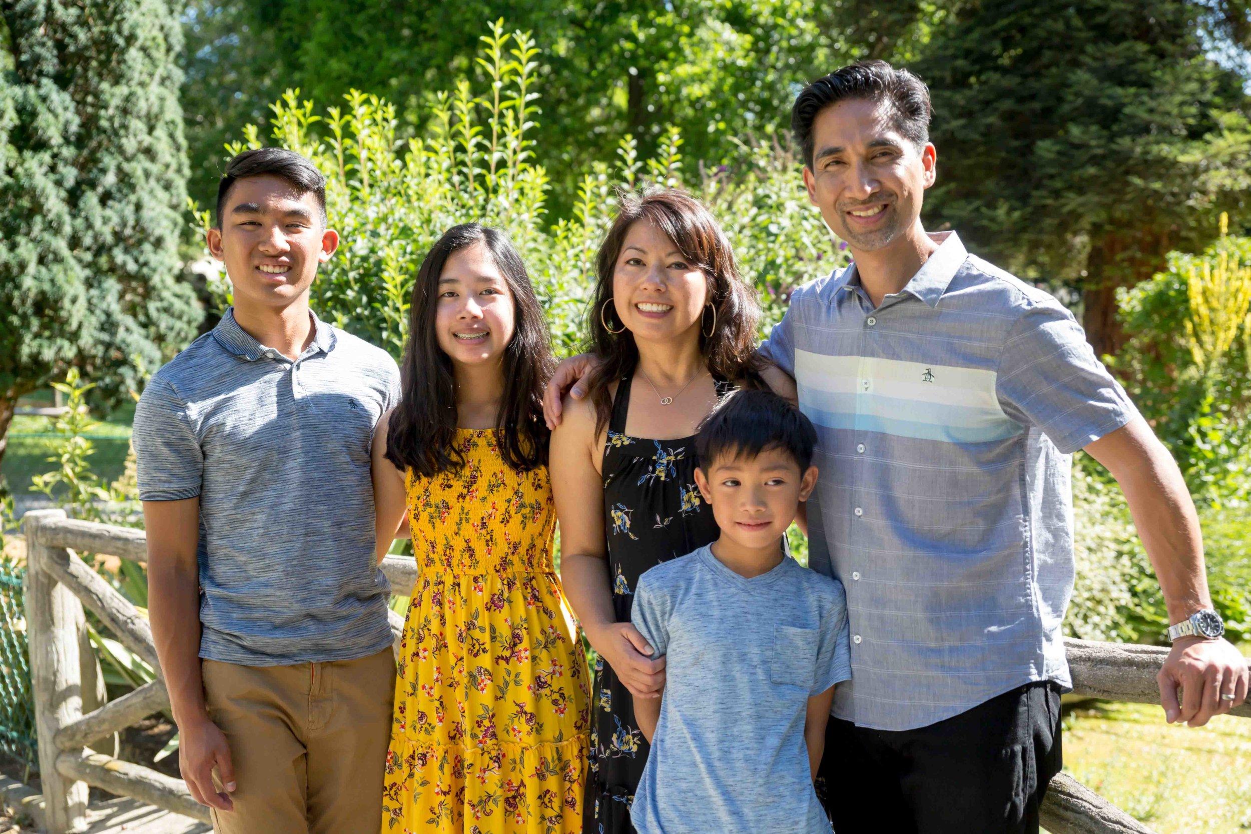 ARTHUR & FAMILY