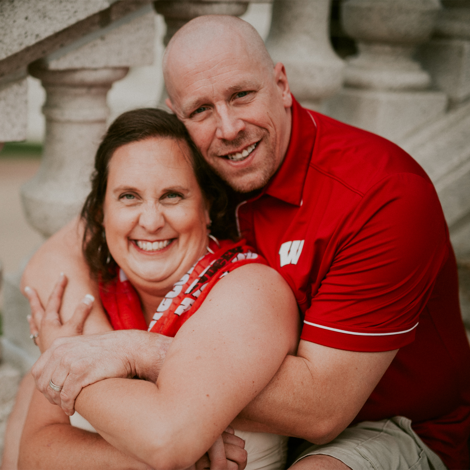 Hello! We're Jen and Andrew, a fun-loving, full of life couple living in an amazing city, Madison, Wisconsin!