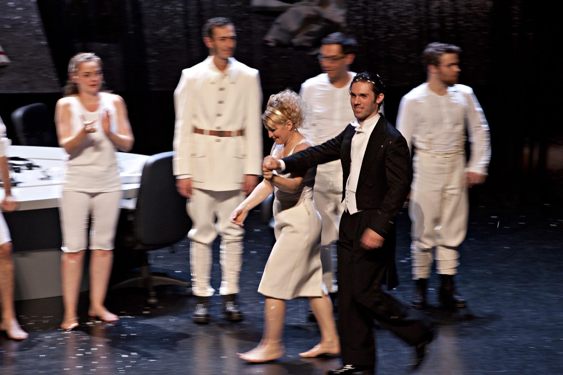 Comédie de Valence, France| Orchestre de l'Opéra de Lyon  Ullmann, Der Kaiser von Atlantis   © Jean-Louis Fernandez - November 2012