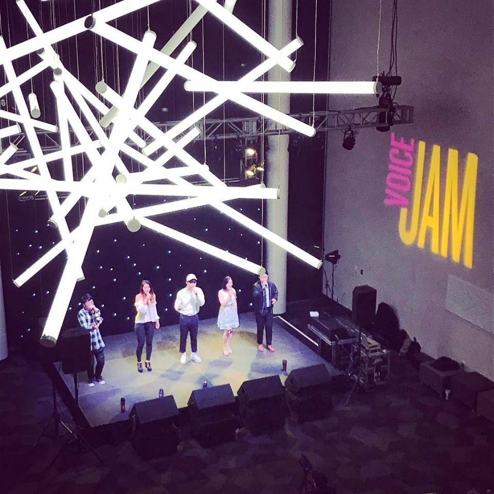 VoiceJam - A cappella: a cap·pel·la [ kə'pelə ] voices only.