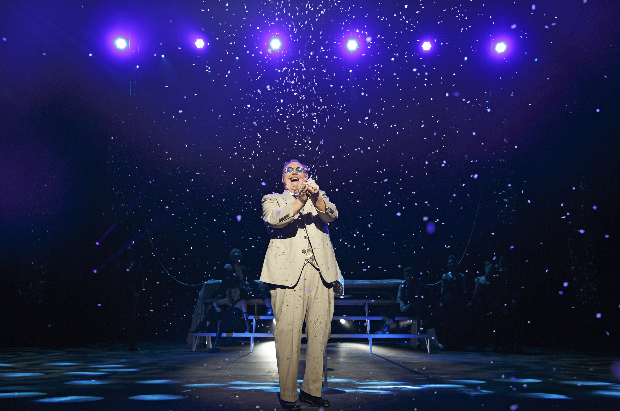 Kevin James-The Inventor-Confetti ©JoanMarcus.jpg