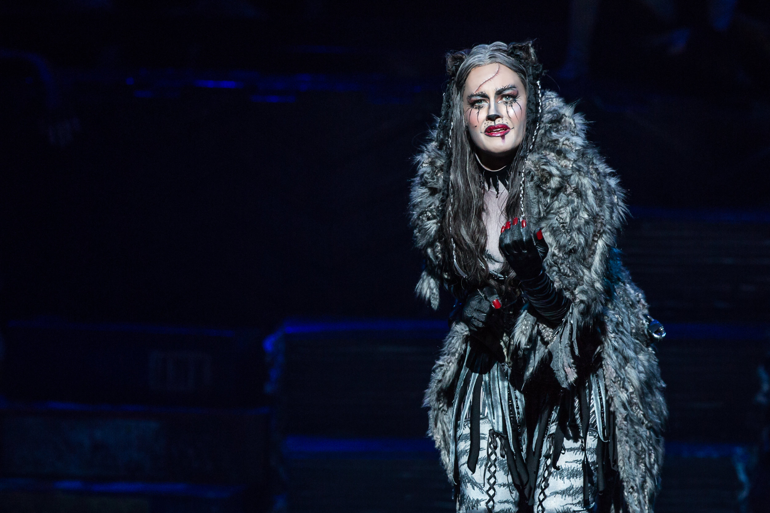 Mamie Parris as Grizabella in CATS (Photo by Matthew Murphy).jpg