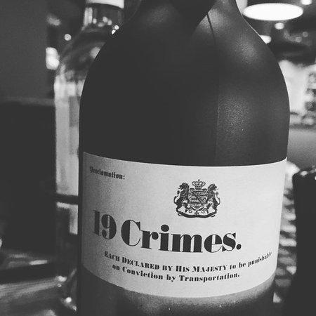 19-crimes-cabernet-sauvignon.jpg