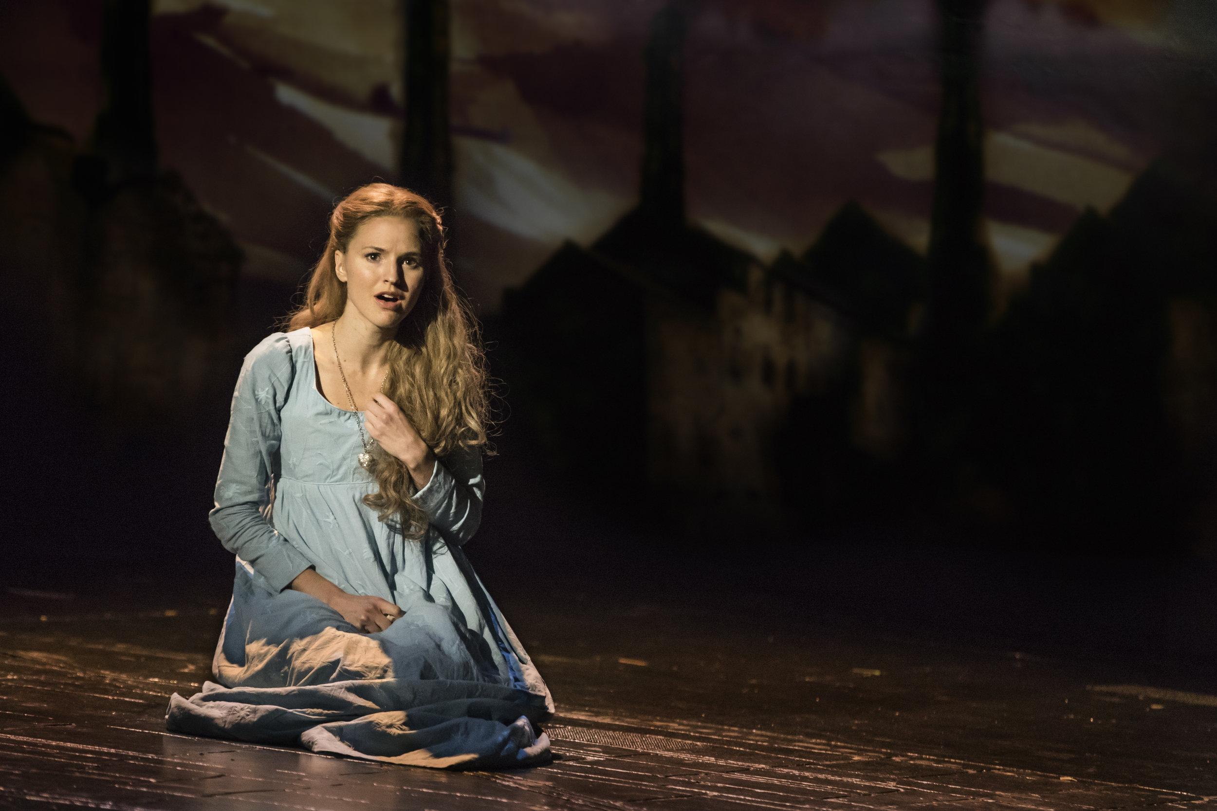 08_LM_TOUR_3974_Melissa Mitchell as Fantine.jpg
