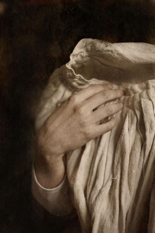 Hand of the Artist Amaya Gurpide